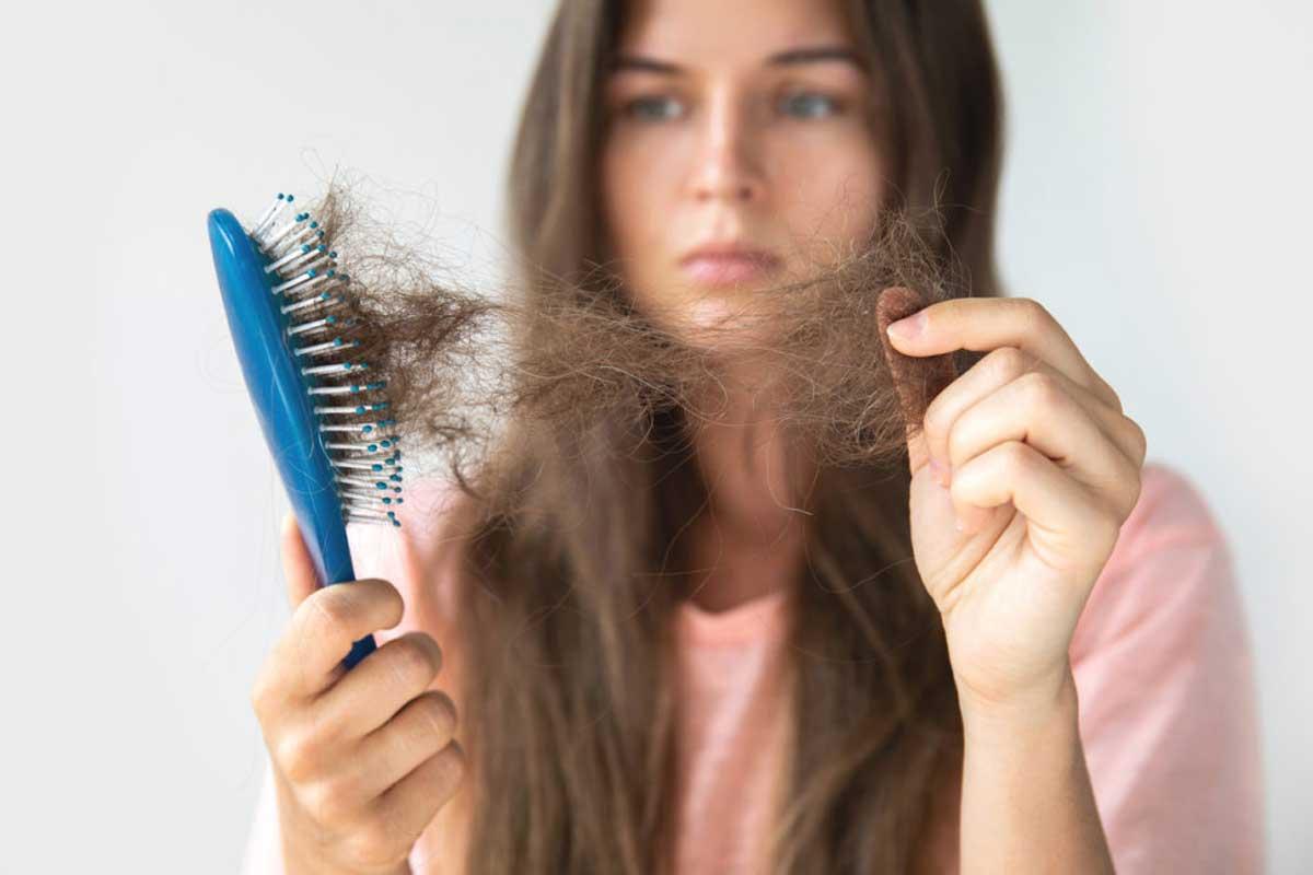 Kadınlarda Saç Dökülmesinin Diğer Nedenleri